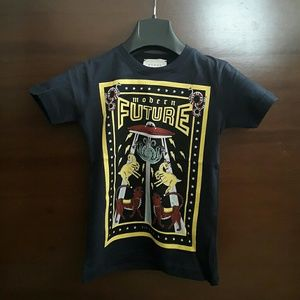 396b78ee0506 Gucci boys modern future t shirt